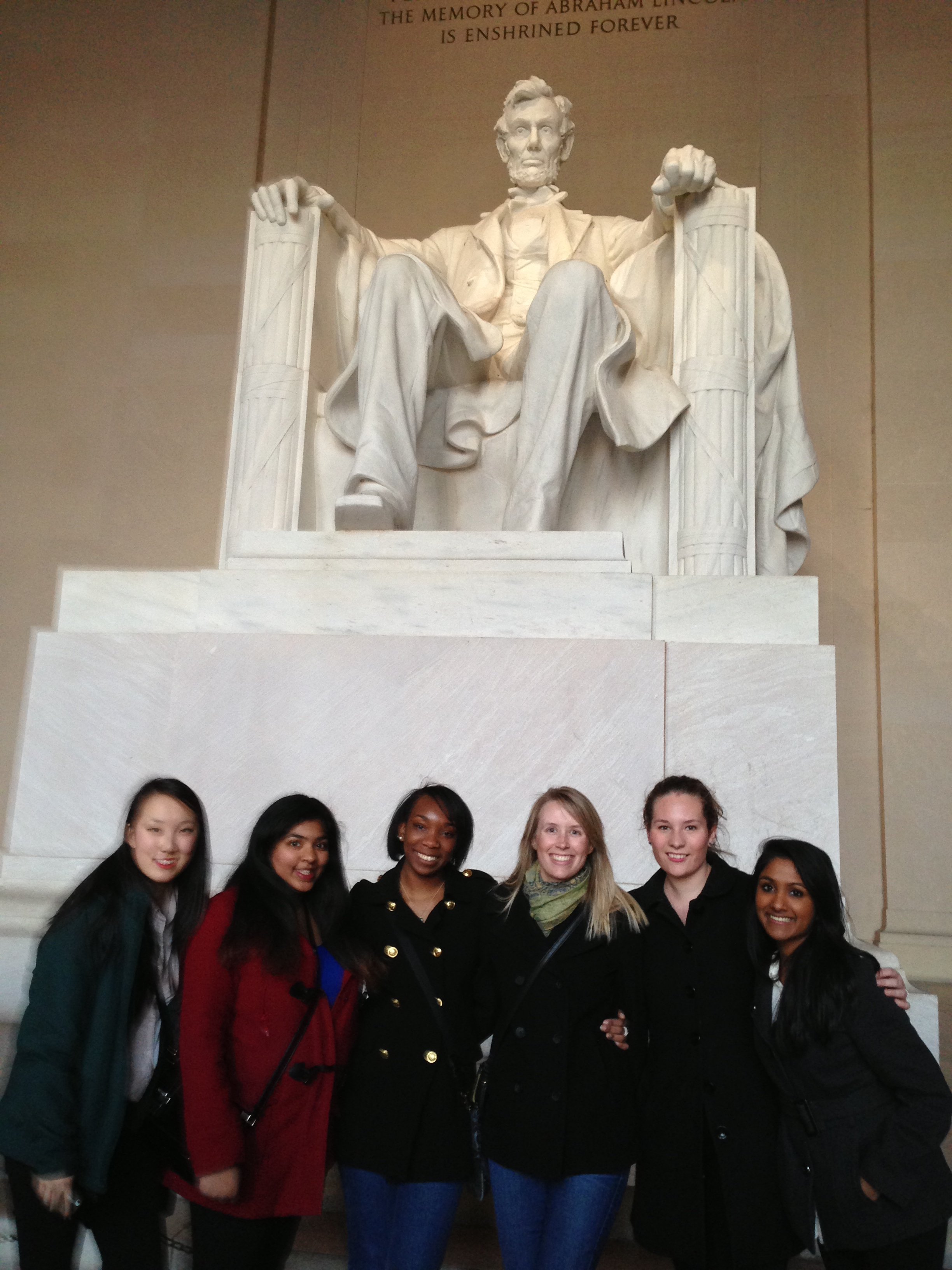 Picture of SAPAC Volunteers in front of the Lincoln Memorial